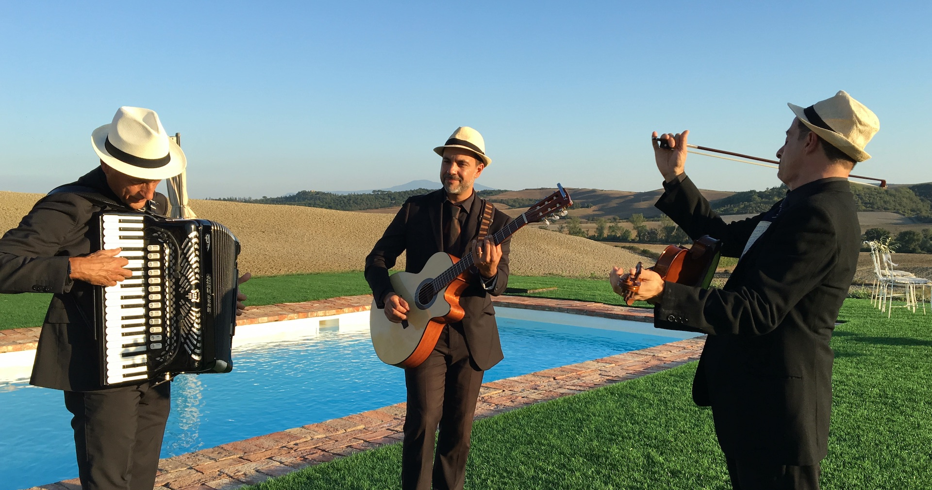 Folk Trio in Tuscany