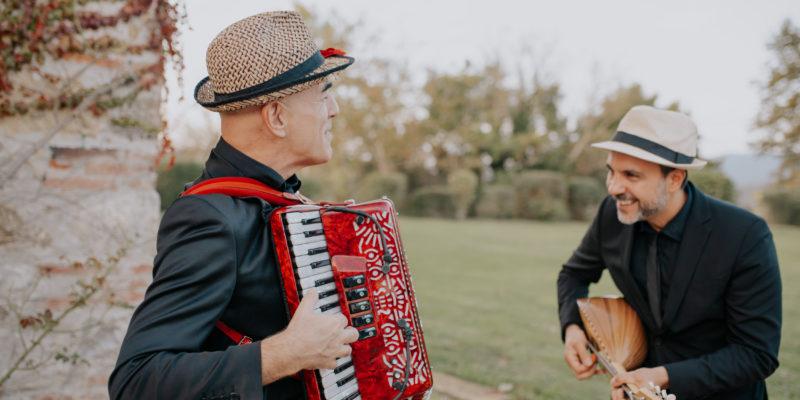 Folk Duo Ph. Lucrezia Senserini